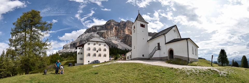 Panoramafoto: Heiligkreuz-Hospiz - Dolomiten