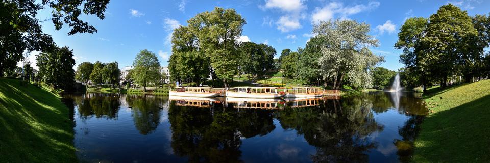 Panoramafoto: Stadtkanal und Basteiberg - Riga